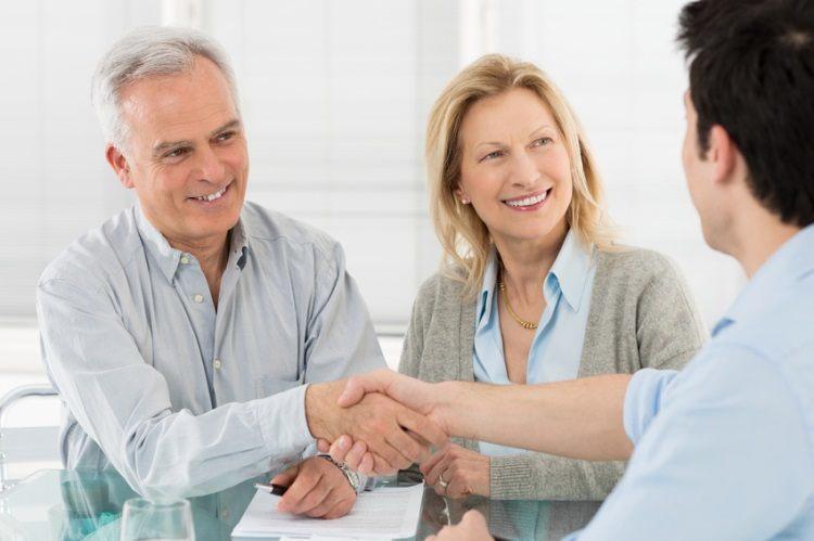 Czy kredyt z komornikiem jest w ogóle możliwy? Na to oraz wiele innych pytań dowiedzą się Państwo z poniższego artykułu.