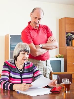 Szybkie pożyczki mają wiele zalet, ale należy pamiętać że za uproszczone procedury i większe ryzyko płacą pożyczkobiorcy.