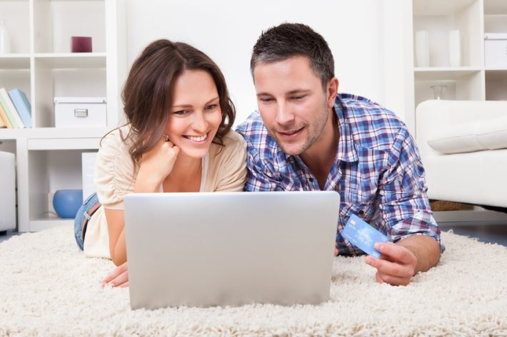 okazuje się, że bezrobotni również mogą uzyskać pożyczkę przez internet.